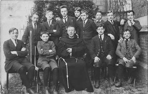 leo-school-1917