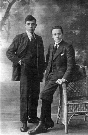 Links zoon Wiel en rechts zoon Ferdinand.