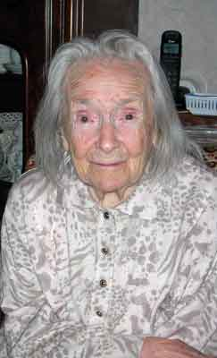 Foto uit 2000, Truus is 101 jaar oud.