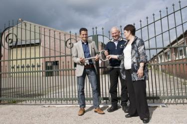 Limburg onderneemt, oktober 2011, artikel Peter Swelsen - Jac Coolen Techiek - Jac en Sophia Coolen dragen het directeurschap over aan Bert Vanwersch