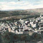 De ruïnestad Bethanië is bekend als de woonplaats van Simon de melaatse en van Lazarus met zijn zussen Maria en Martha. Jezus is hier de nacht voor Palmzondag geweest. Hier is ook het graf van Lazarus. De kaart kwam in januari 1908 aan in Vaals.