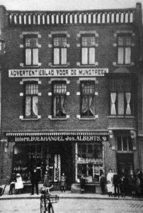 Het pand van Alberts. In 1907 gebouwd naast de Prins van Oranje.